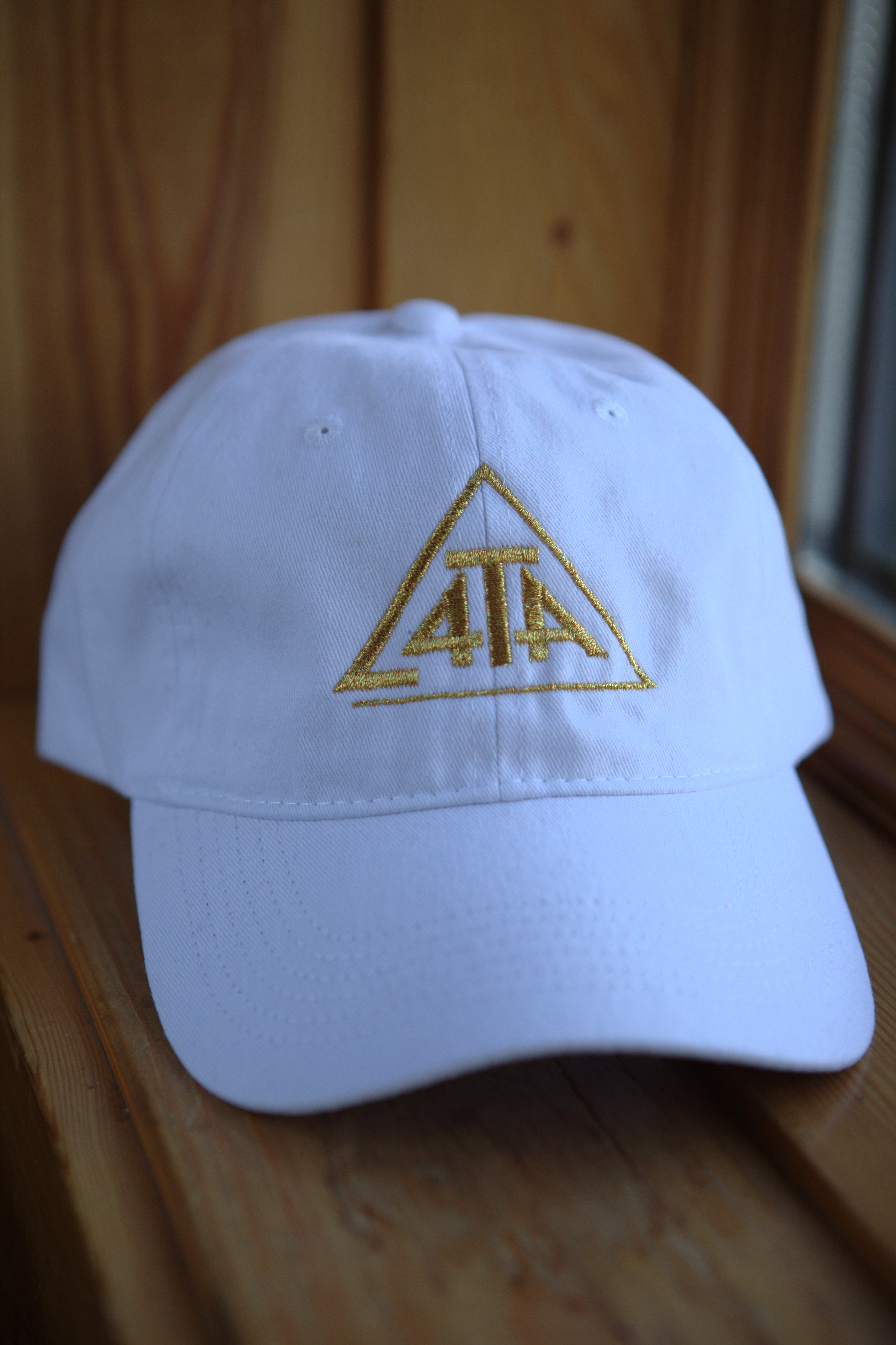 4theability white-gold hat